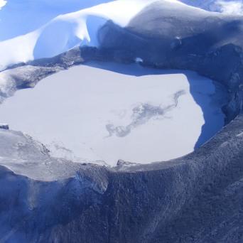 crater-lake-ruapehu-2007-sept-6